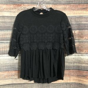 American Eagle Size XS Gray Lace 3/4 Sleeve Keyhole Top